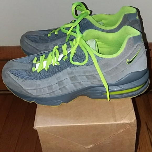purchase cheap 21ddb 093b9 👟NIKE Air Max 2011 gray neon green shoes 7Y. M 5b48db76bb76157e743e219d